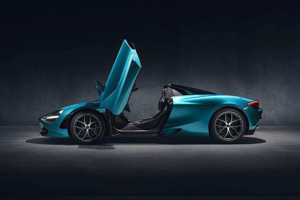 McLaren 720s. La decappottabile in fibra di carbonio